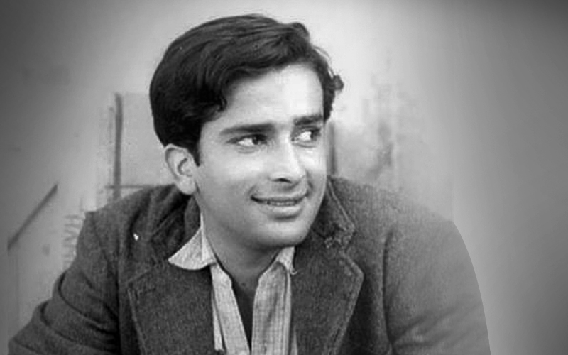 How much do you know about this legendary actor Shashi Kapoor, play the quiz to answer the questions